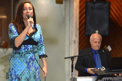 Karina Galvez and pianist -singer Richie Swan